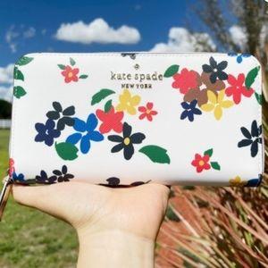 Kate Spade staci Sailing  Floral Large Continental  Zip Wallet Multi Cream Clutc
